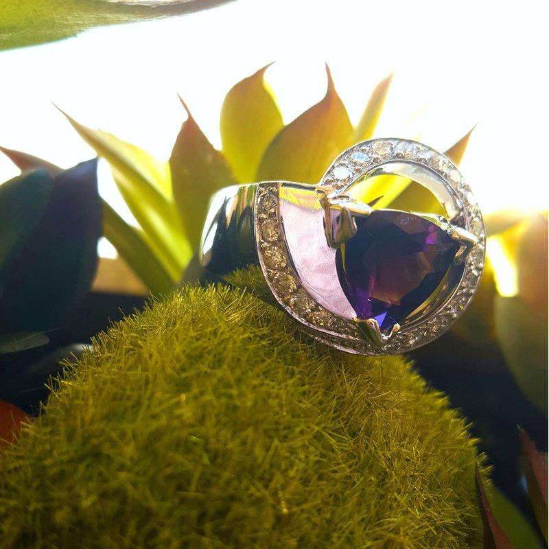 Arizona Amethyst™ Gold Jewelry Trillion Cut Swirl Ring