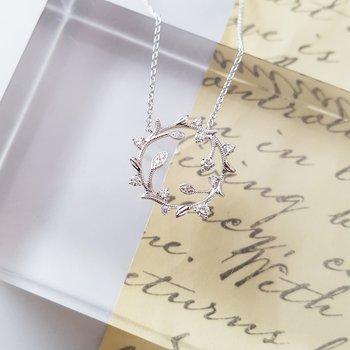 Floral Loop Necklace