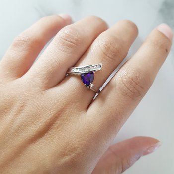Swirl Trillion Amethyst Ring