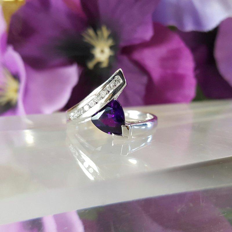 Arizona Amethyst™ Gold Jewelry Swirl Trillion Amethyst Ring