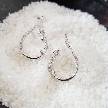 Ribbon Diamond Earrings