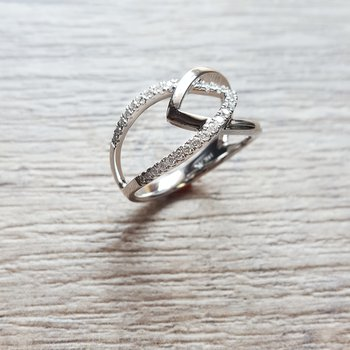Lovely Diamond Shank Ring
