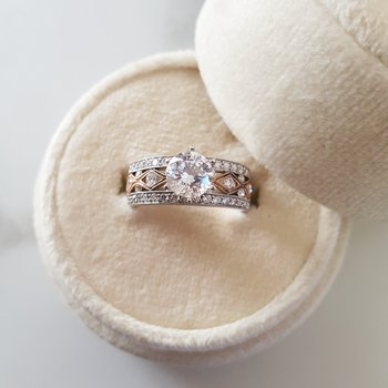 Two Tone Engagement Mount