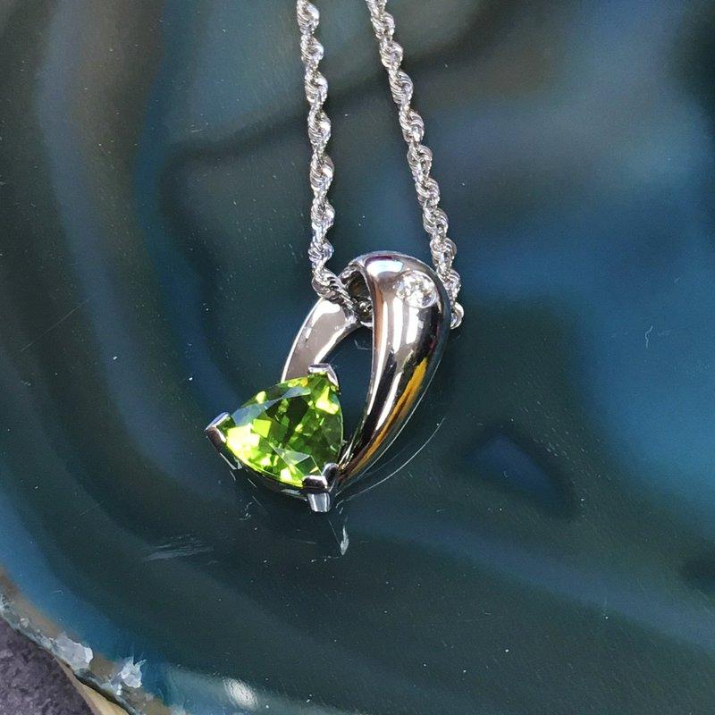 Arizona Peridot Gold Jewelry Trillion Peridot Necklace
