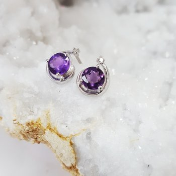 Arizona Amethyst Shooting Star Studs
