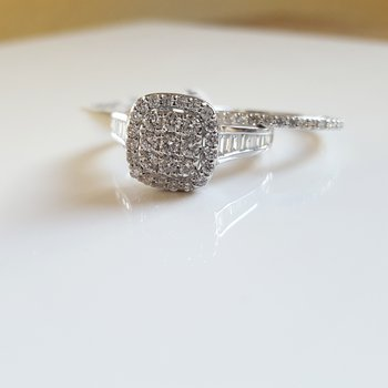 Square Center Pavé Halo Wedding Set
