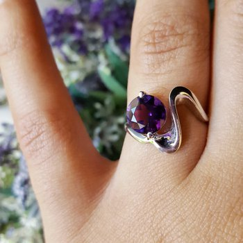 Amethyst Round Wave Ring