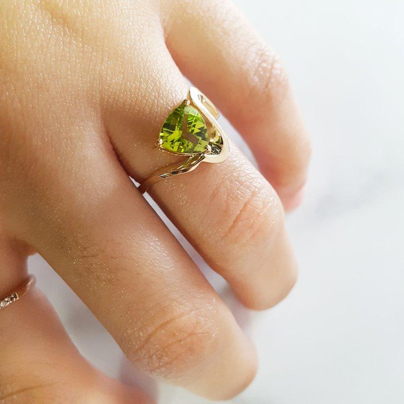 Arizona Peridot Gold Jewelry Peridot Zig Zag Wave Ring