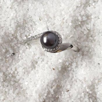Black Pearl Swirl Ring