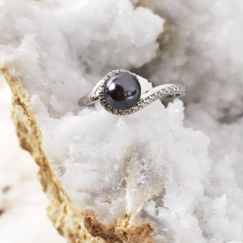 Sami Fine Jewelry Black Pearl Swirl Ring