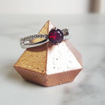 Arizona Garnet Infinity Ring