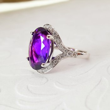 Amazing Oval Amethyst Ring