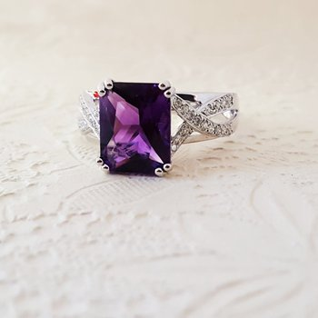 Amethyst Criss-Cross Ring