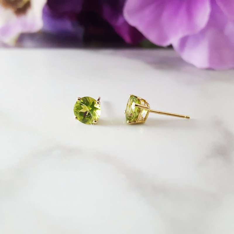 Arizona Peridot Gold Jewelry Essential Studs