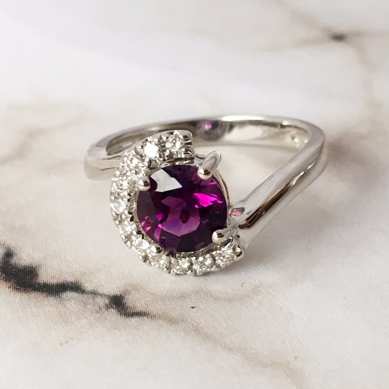 Arizona Amethyst™ Gold Jewelry Crescent Moon Ring