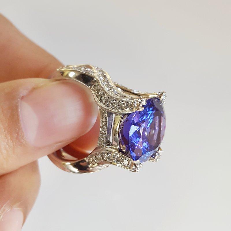 Luxury by Rene Hernandez Tanzanite Ring