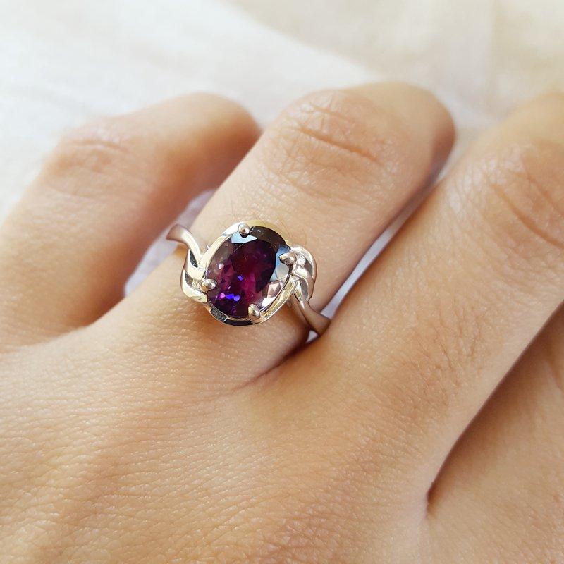 Arizona Amethyst™ Silver Jewelry Oval Eagle Ring