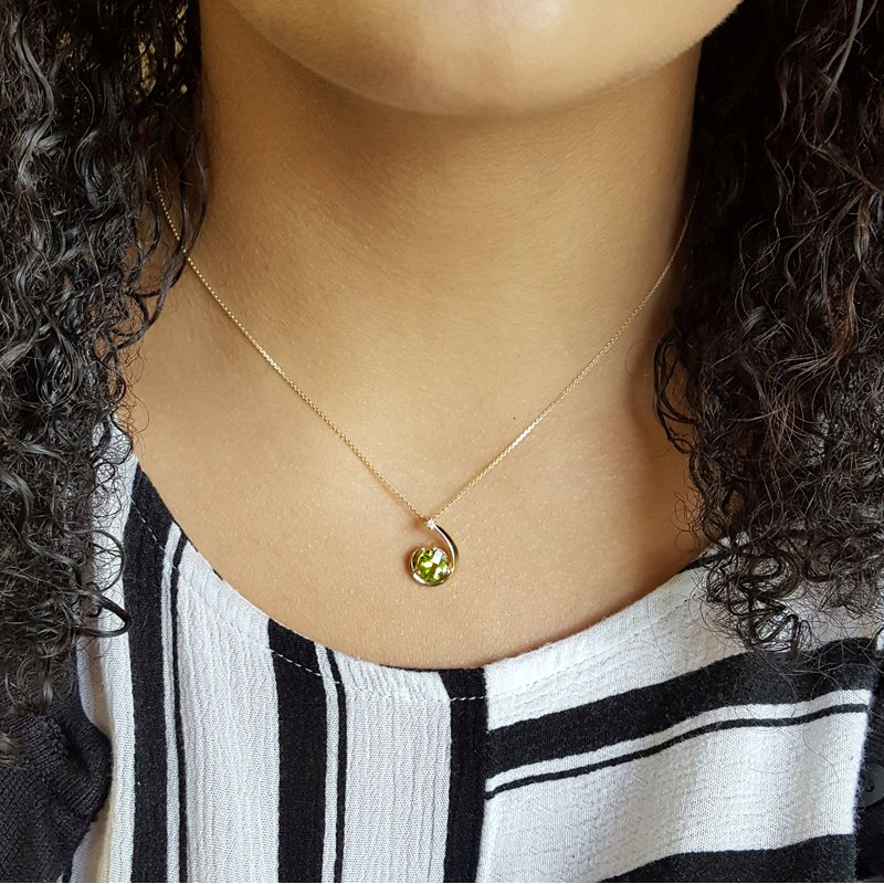 Arizona Peridot Gold Jewelry Shooting Star Pendant