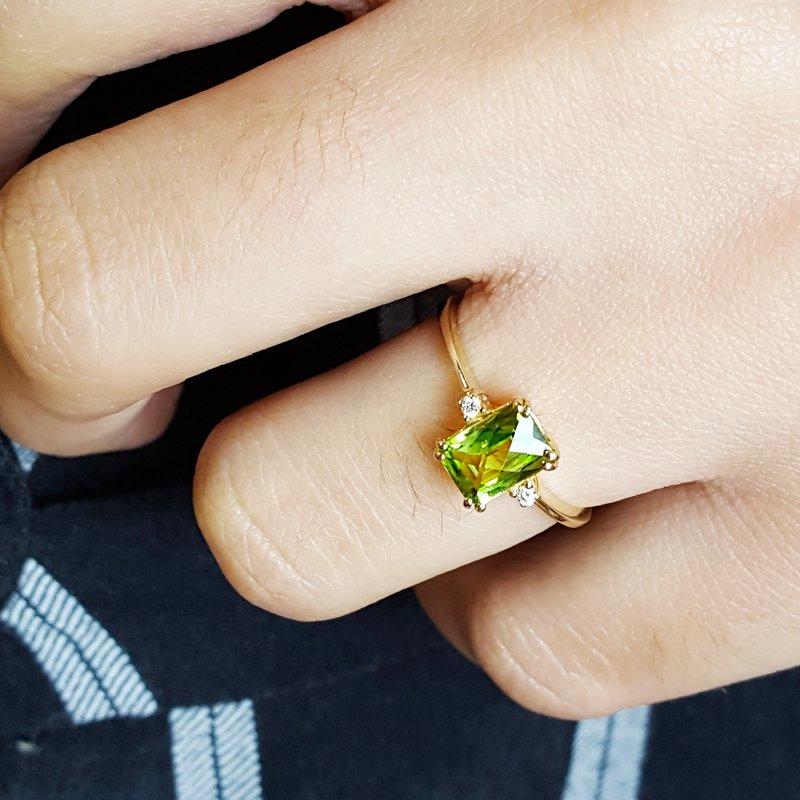 Arizona Peridot Gold Jewelry Checkerboard Cut Peridot Ring