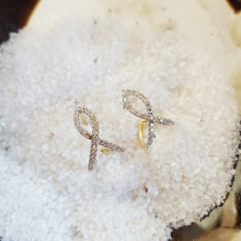 Ribbon Stud Earrings