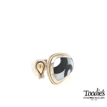 Black Onxy With White Mother Of Pearl Inlaid Style Ring