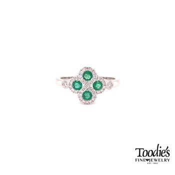 Clover Style Ring