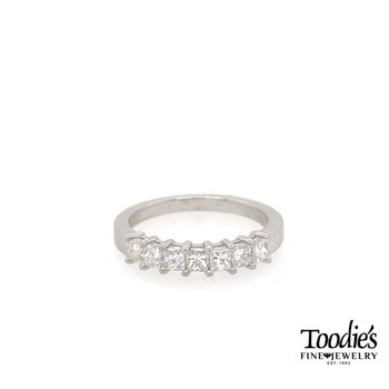 Princess Cut Diamond Seven Stone Band