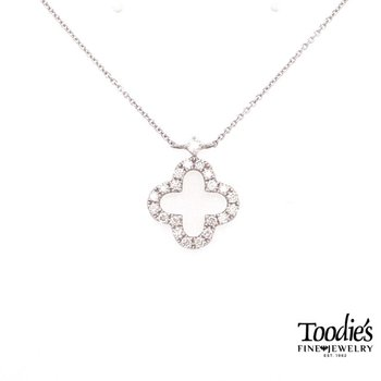 Clover Design Diamond Pendant