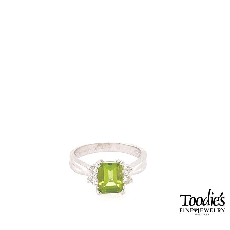 Toodie's Signature Fashion Peridot And Diamond Ring