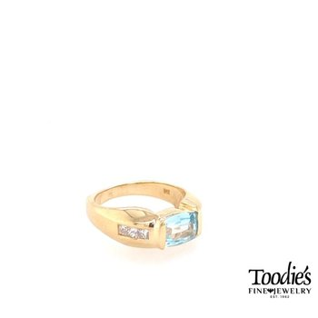14K Yellow Gold Bezel Aquamarine and Diamond Ring