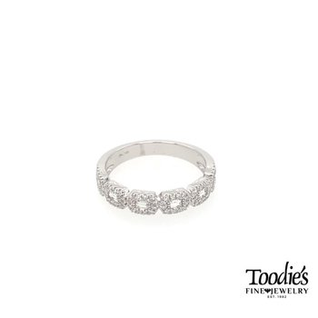 Diamond Baugette Halo Ring