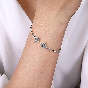 Flower Cap Diamond Bracelet
