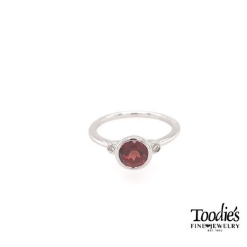 Sterling Silver Garnet And Diamond Fashion Ring