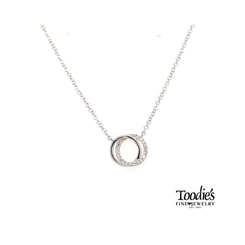 Shy Creation Diamond Love Knot Circle Necklace