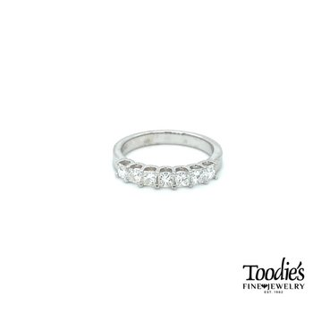 Princess Cut Diamond Shared Prong Band