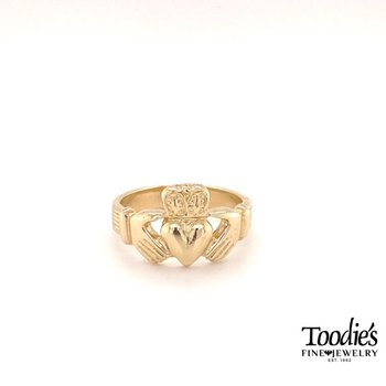 Yellow Gold Claddaugh Ring