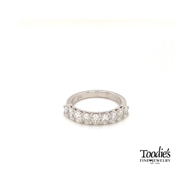 Toodie's Signature Fashion Diamond Oval Shared Prong Ring