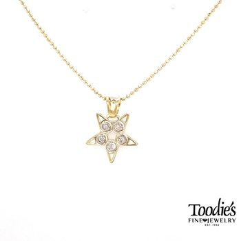 Stella Design Star Pendant Necklace