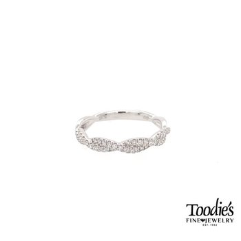 *Andrew Favorite* Diamond Pave' Twisted Band