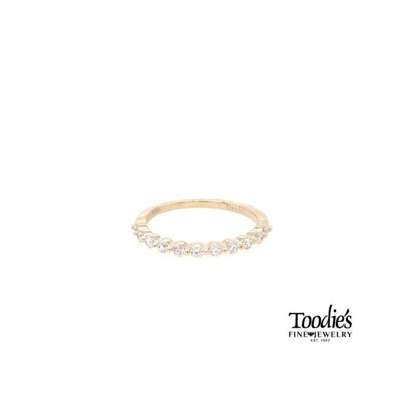 Toodie's Signature Fashion Single Prong Diamond Band