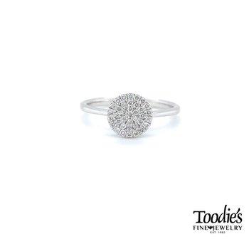 Round Diamond Cluster Style Ring
