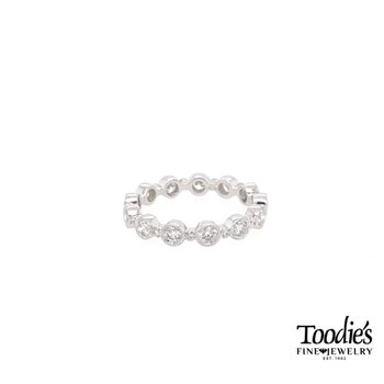 *Crowd-Pleaser* White Gold Alternating Diamond Eternity Band