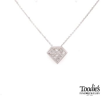 Invisible Set Diamond Shaped Pendant