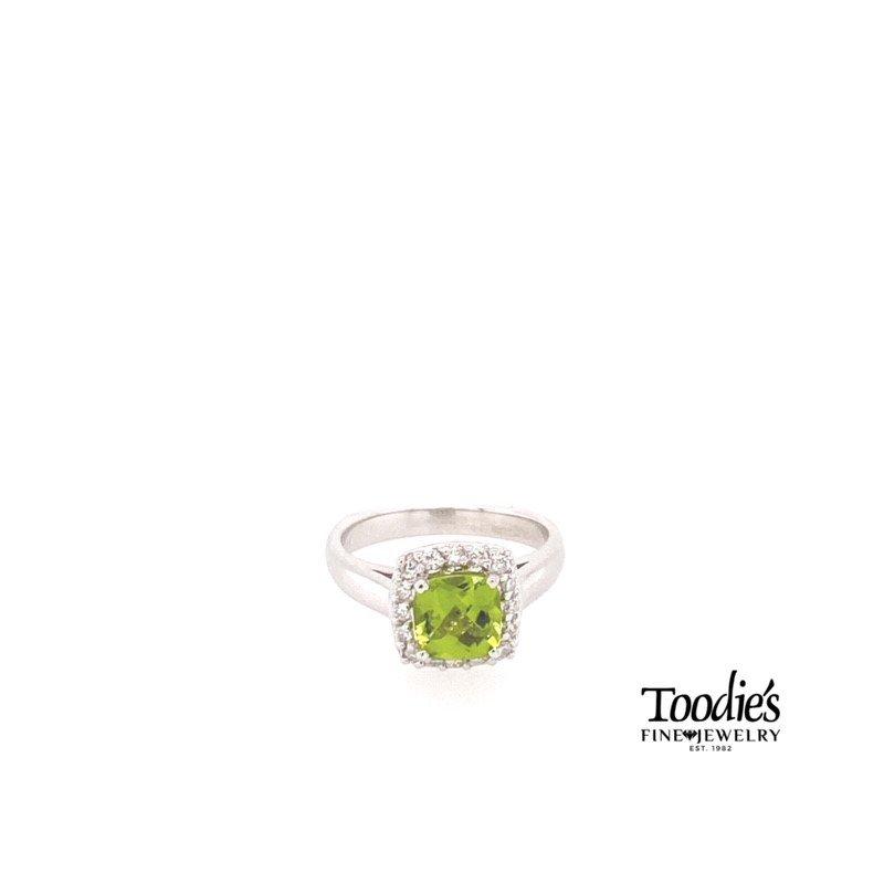 Toodie's Signature Fashion Peridot And Diamond Halo Ring