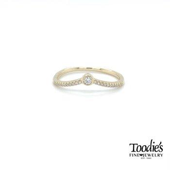 Bezel Set Pointed Diamond Curved Band
