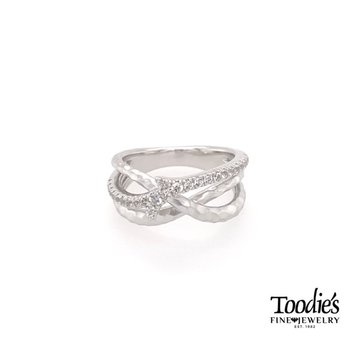 White Sapphire Twisted Style Fashion Ring
