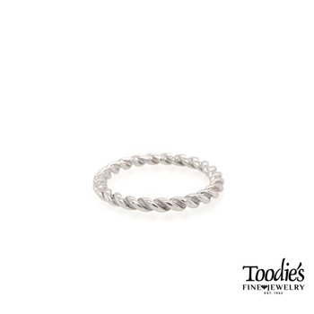 White Gold Rope Design Polished Band