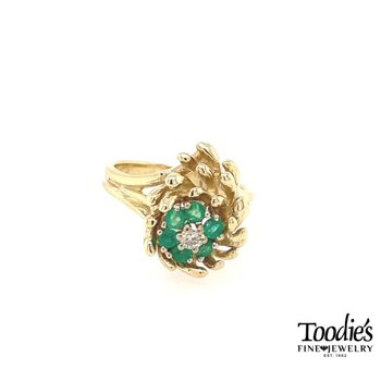 Vintage Emerald and Diamond Floral Cluster Ring