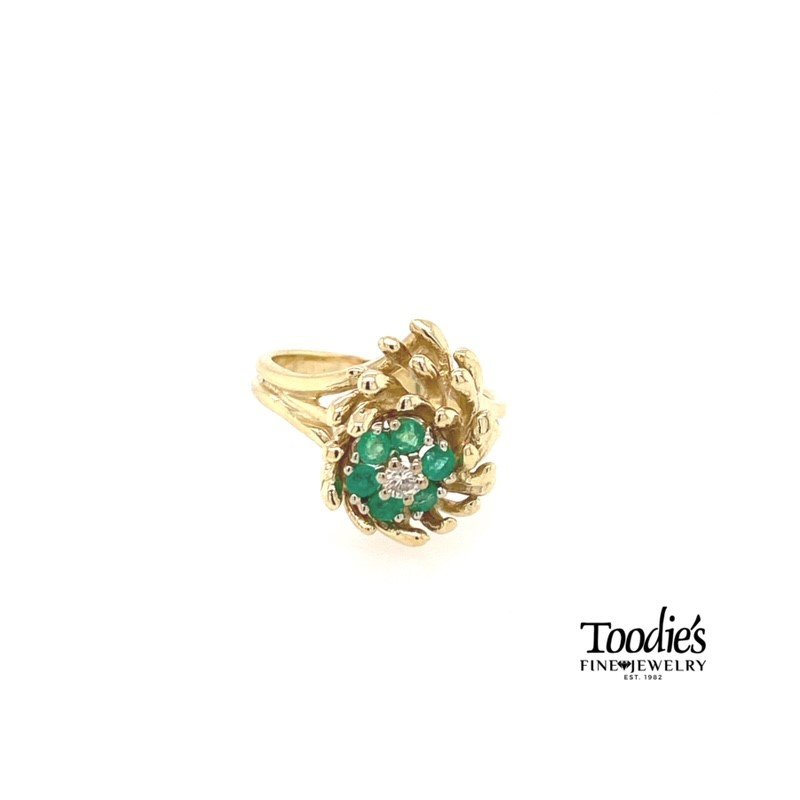 Toodie's Signature Fashion Vintage Emerald and Diamond Floral Cluster Ring