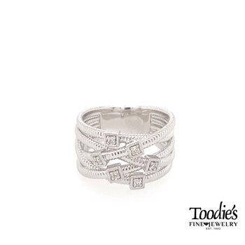Intertwined Design Fashion Ring